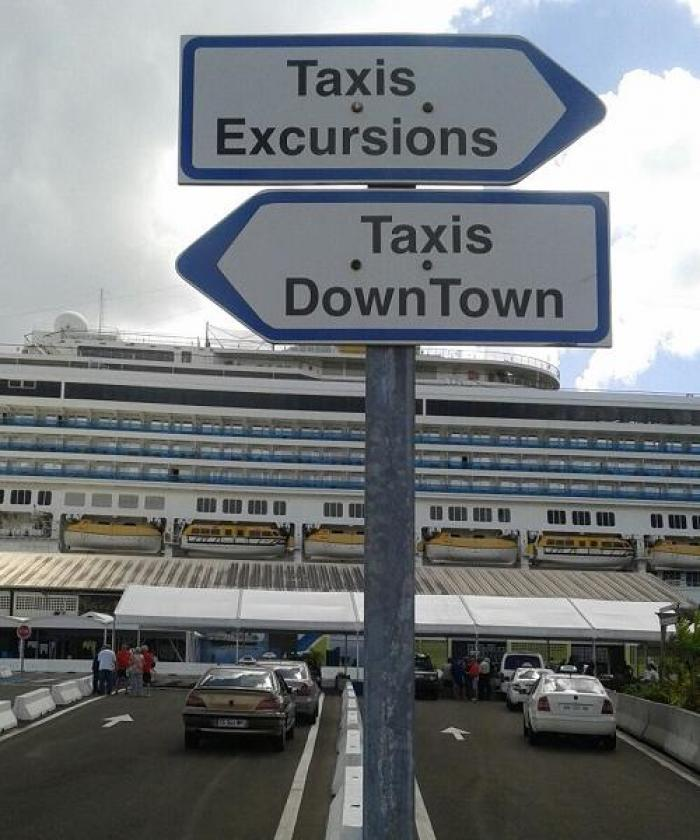 Mobilisation des chauffeurs de taxi au Quai des Tourelles