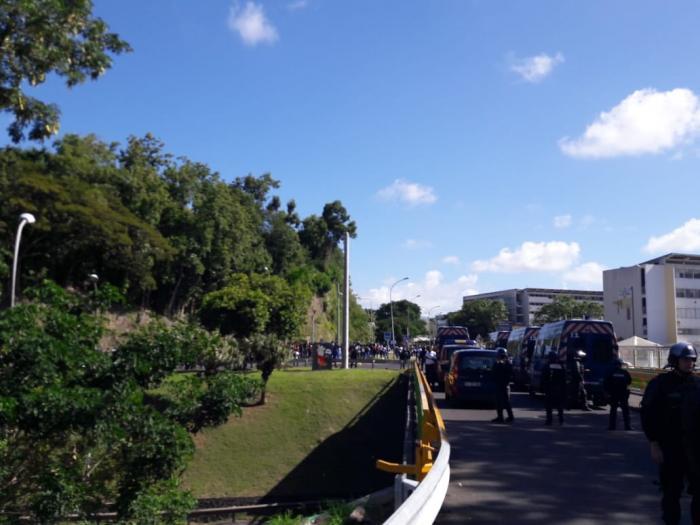 Mobilisation des lycéens: la RN1 débloquée par la gendarmerie