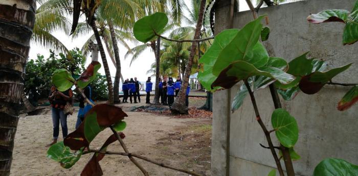 Mobilisation à Fond Larion : une trentaine de militants de MUN accompagnée de gendarmes