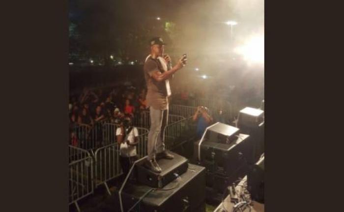Mr Vegas en concert live sur la Savane devant des milliers de martiniquais
