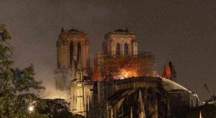 Notre-Dame : un milliard de dons et une polémique