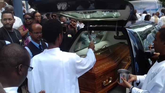 Obsèques de Monseigneur Marie-Sainte : une cérémonie émouvante et réussie
