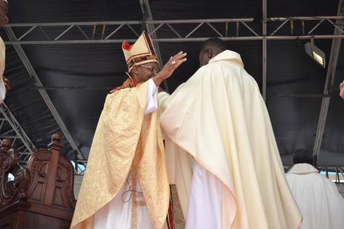 """Ordination de Monseigneur Macaire : """"J'ai bien aimé la cérémonie"""""""