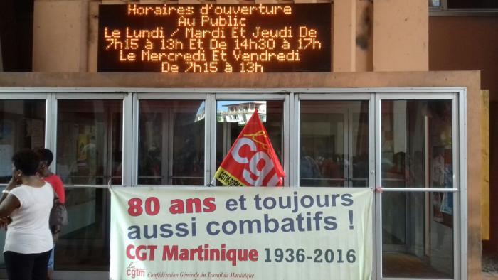 Pas de cantine et écoles bloquées à Fort-de-France