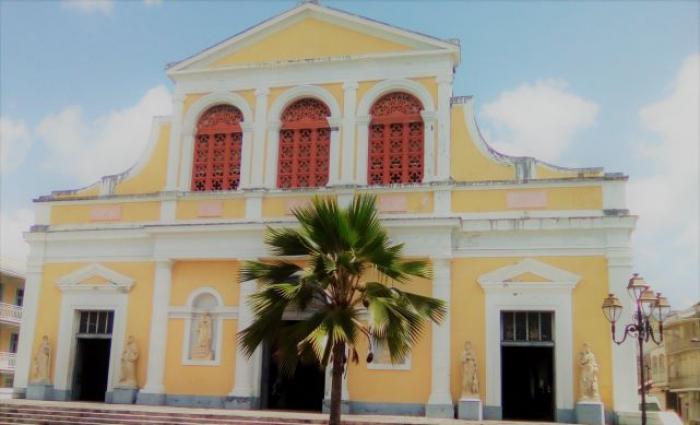 Peut-on dire cathédrale Saint-Pierre Saint Paul à Pointe à Pitre ?