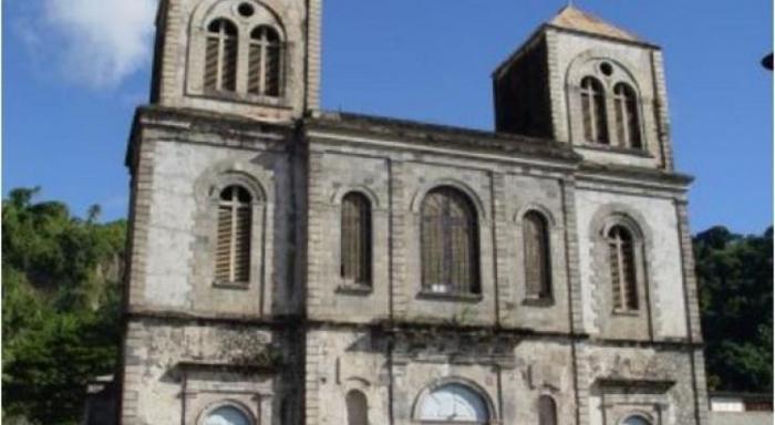 Plainte pour viol : l'ancien curé de l'église de Saint-Pierre mis hors de cause