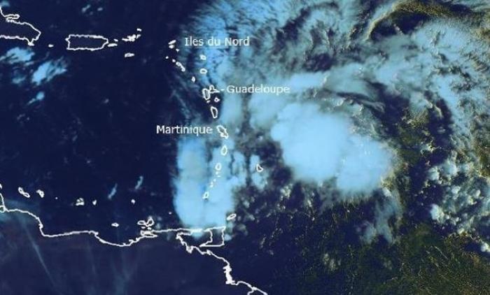 Pluies, vents et mer formée attendus sur la Martinique à l'approche d'une onde tropicale active