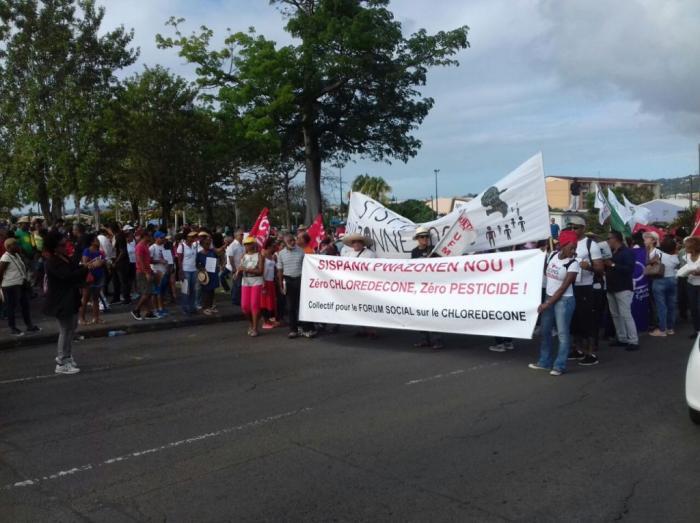 Plus d'une centaine personnes dans les rues pour dire non au chlordécone