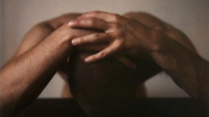 Poursuivie pour des violences habituelles sur son mari