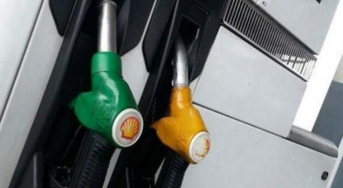 Prix du carburant : le super en légère baisse, le gasoil en légère hausse