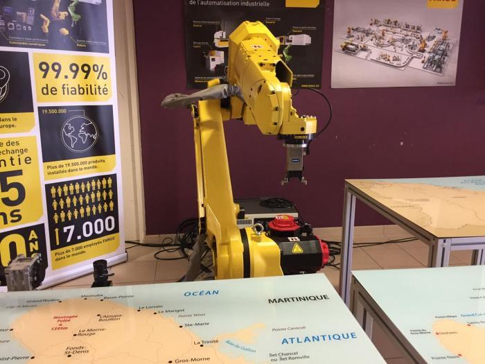 Présentation du projet de formation en robotisation au lycée Joseph Gaillard