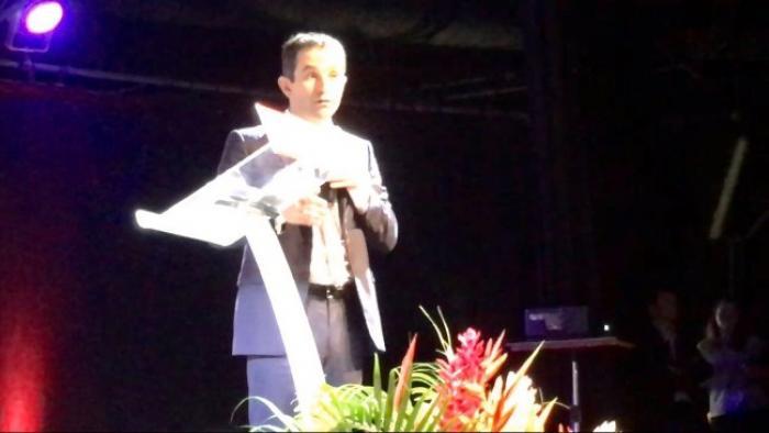 Présidentielle 2017 : Benoît Hamon en meeting en Martinique inspiré par Césaire
