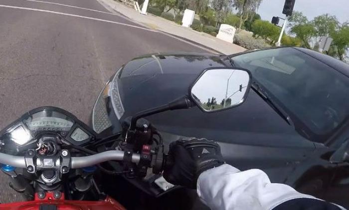 Quatre suspects interpellés pour avoir percuté un motard