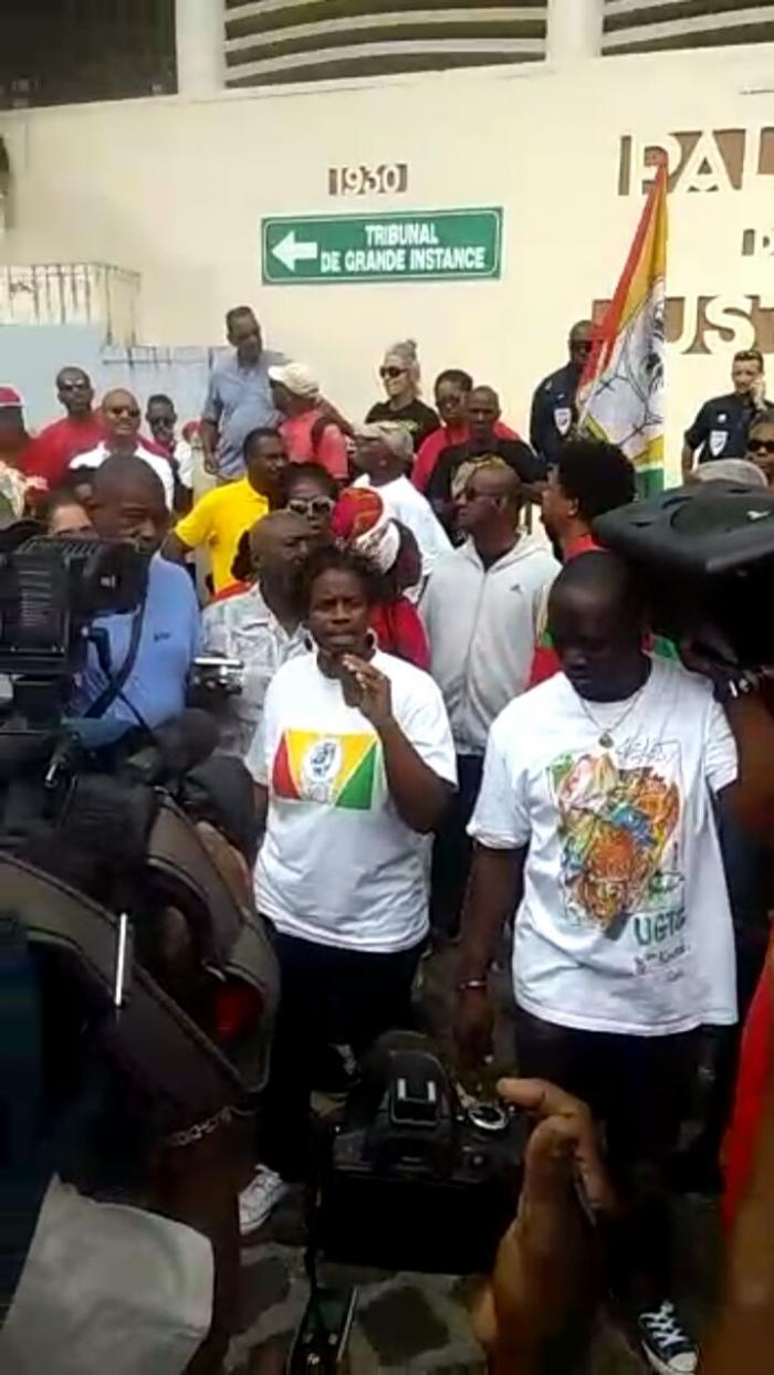 Renvoi des procès des deux syndicalistes guadeloupéens Domota et Berlima