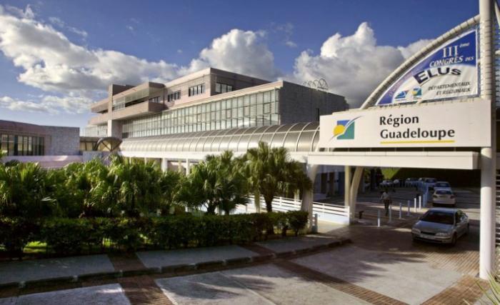 Région Guadeloupe : poussée de fièvre d'une petite partie du personnel