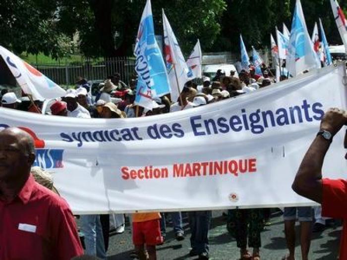 Réunion entre les syndicats de l'éducation et la préfecture de Fort de France.