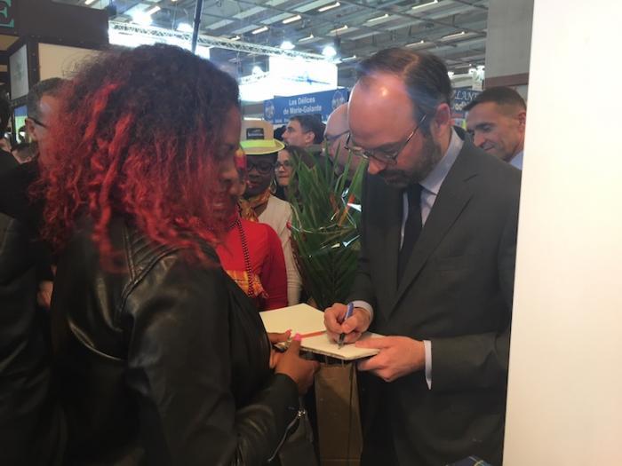 Salon de l'Agriculture : Edouard Philippe soigne les Outre-mer