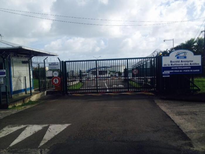 SARA : poursuite de la grève et assouplissement dans la  livraison de carburant alors qu'une rencontre est prévue en préfecture