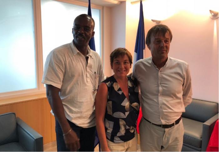 Sargasses : 3 millions d'euros en plus annoncent N.Hulot et A.Girardin