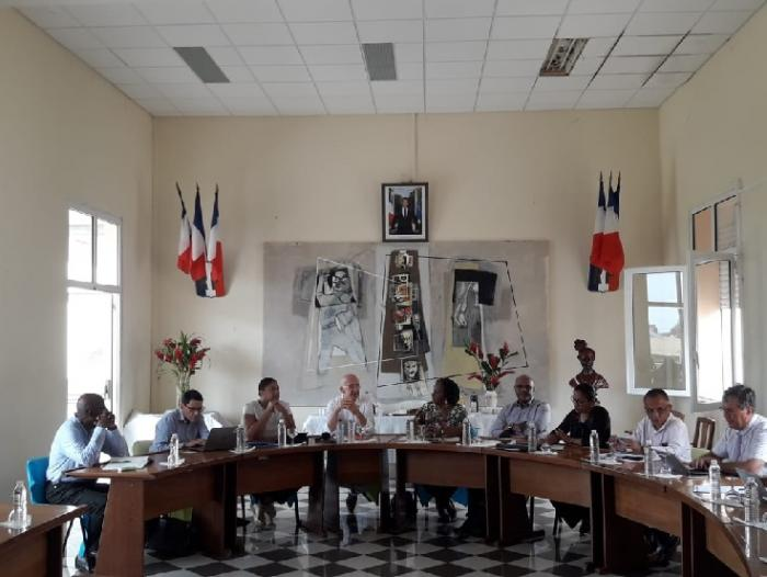 Sargasses : Etat, Région, Département au chevet de Capesterre de Marie-Galante