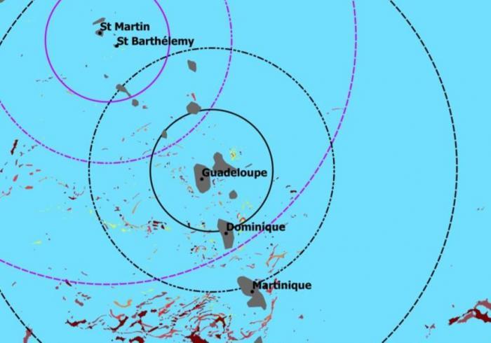 Sargasses :  nouveaux risques d'échouages au Sud et à l'Est de l'archipel