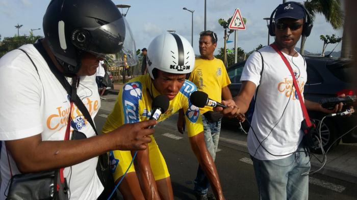 Simon Carr remporte le contre-la-montre, Sylvestre reste en jaune