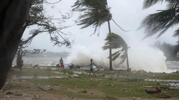 """Simulation: alerte jaune pour le cyclone """"Zélie"""""""