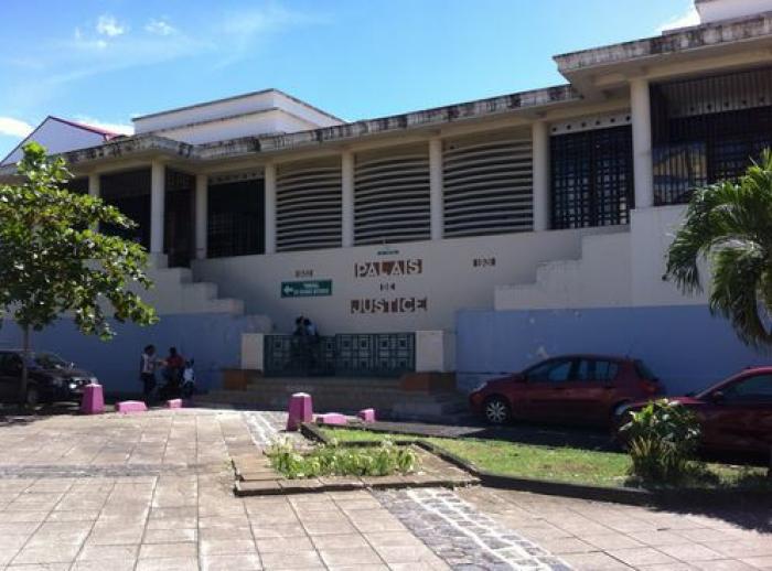 Six mois de prison avec sursis pour des punitions à coups de ceintures