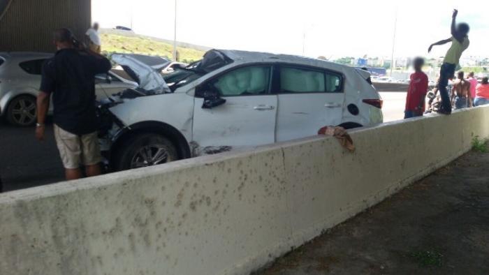 Spectaculaire accident de la circulation sur l'autoroute