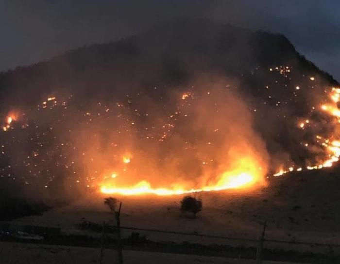 Spectaculaire incendie à Saint-Martin