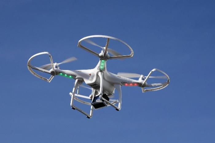 Suivre le tour des yoles avec un drone ...