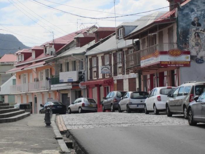 Tarification du parking de Basse-Terre : les professionnels dans les rues