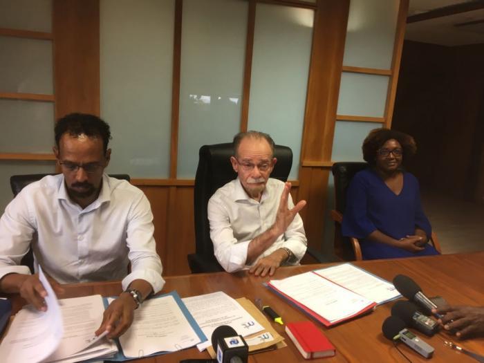 TCSP : Alfred Marie-Jeanne rejette les propositions de la CFTU et exige la mise en route rapide des BHNS