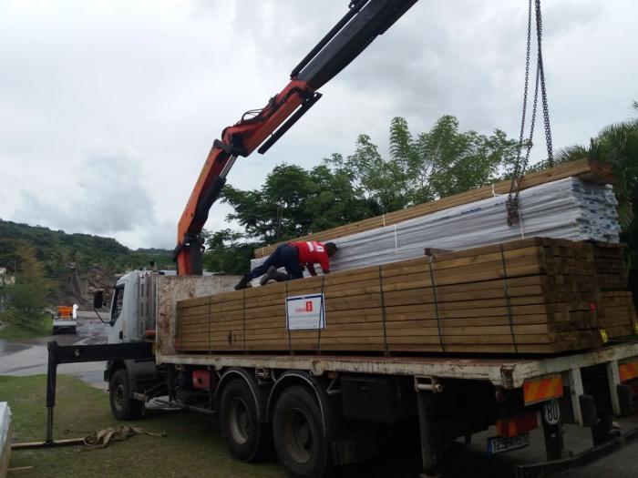Tôles pour un Ehpad à la Dominique : 15 tonnes de matériaux récoltées