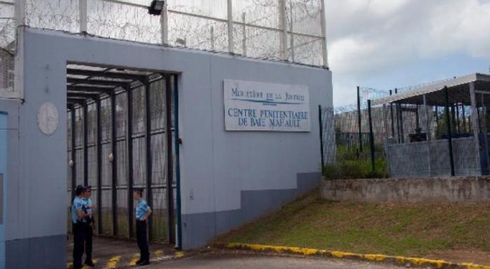 Tout juste arrivé en prison, il s'évade par le toit