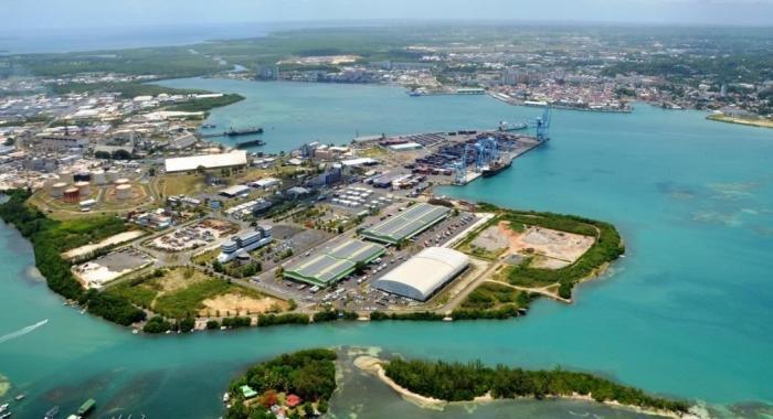TRANCHES D'HISTOIRES : l'évolution du port de la Guadeloupe