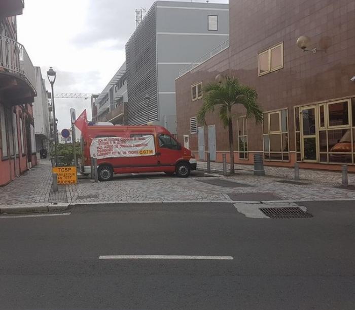 Troisième jour de mobilisation pour les pompiers de Martinique