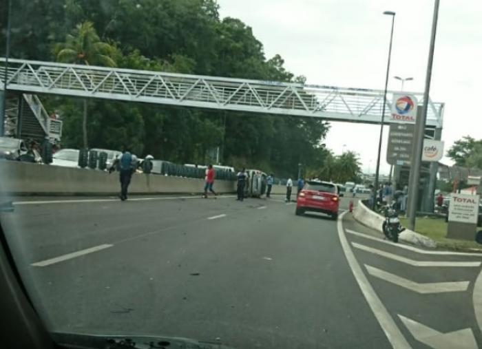 Un accident à Grand-Baie provoque un important embouteillage