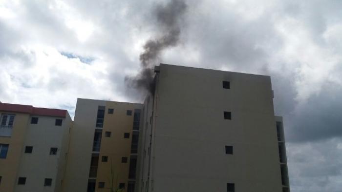 Un appartement ravagé par les flammes à Fort-de-France