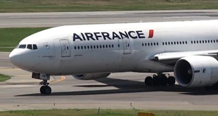 Un avion d'Air France cloué au sol mardi soir, départ prévu ce mercredi