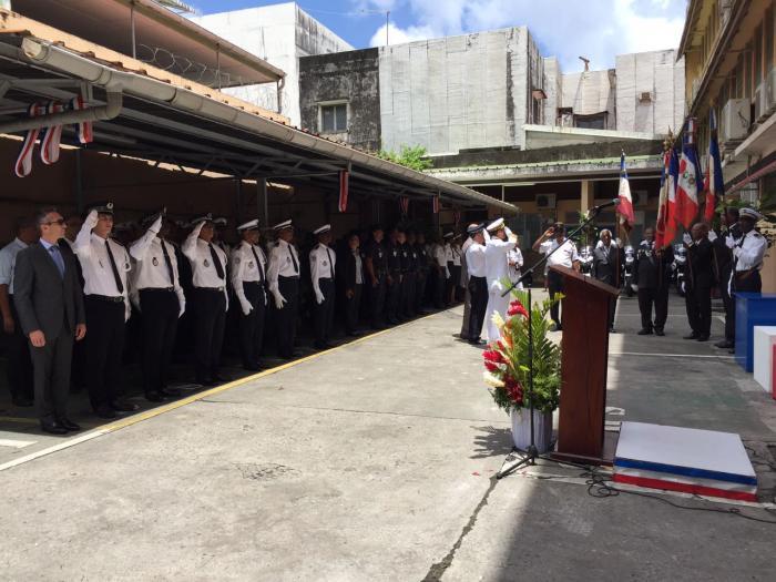 Un hommage rendu aux policiers décédés durant l'exercice de leur métier