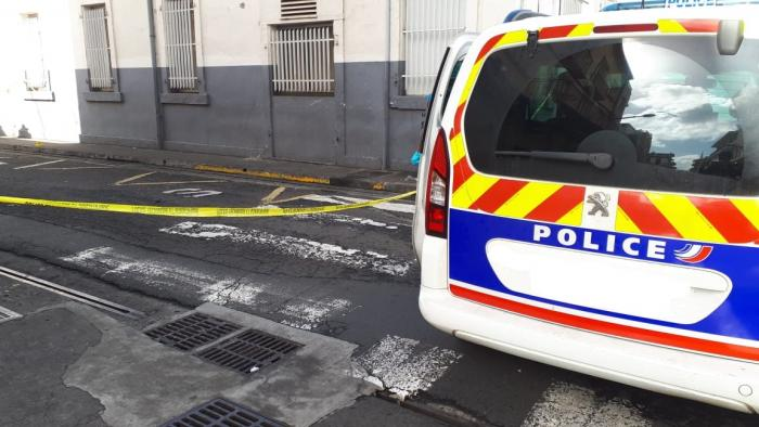 Un homme décède de ses blessures après une bagarre et des coups de feu à Fort-de-France.