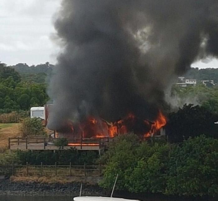 Un incendie ravage totalement une maison au Vauclin