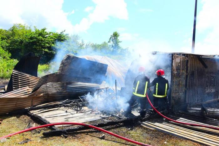 Un local associatif de la ville du Robert part en fumée