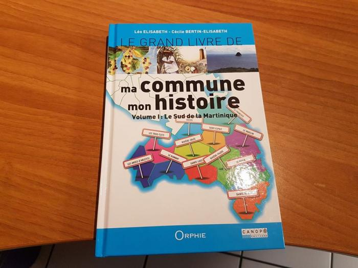 Un ouvrage détaillant les 12 communes du sud de la Martinique