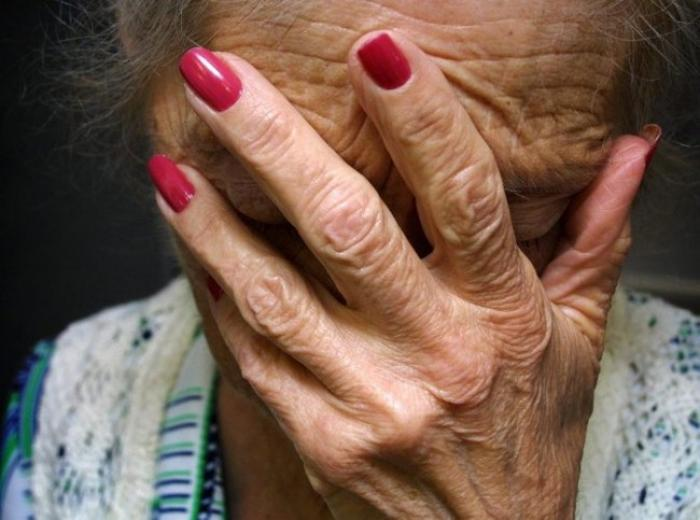 Un plan d'action pour lutter contre la maltraitance des personnes âgées