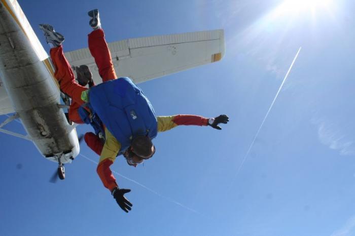 Un saut en parachute comme si vous y étiez