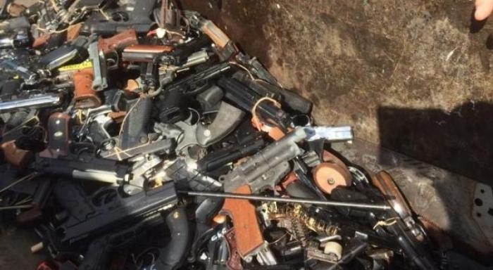 Une citoyenne a remis 4 armes aux autorités