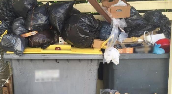 Une gros-mornaise se plaint du ramassage des encombrants