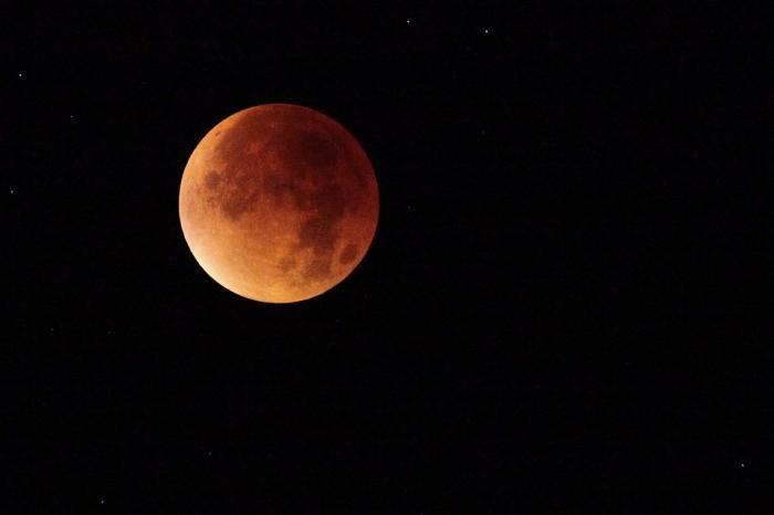 """Une """"lune de sang"""" prévue ce dimanche soir"""